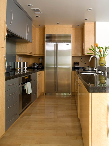 47 best galley kitchen designs decoholic for Two way galley kitchen designs
