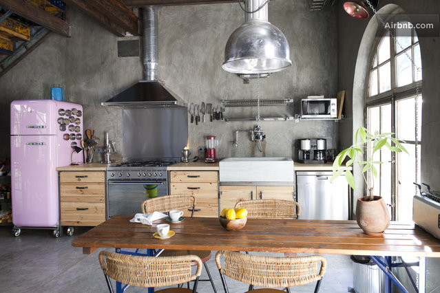 Fresh idea to design your Eclectic Kitchen Features An Oval Pot ...