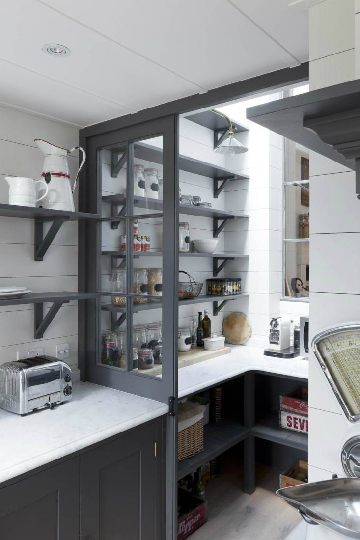 20 amazing kitchen pantry ideas decoholic for Modern kitchen pantry
