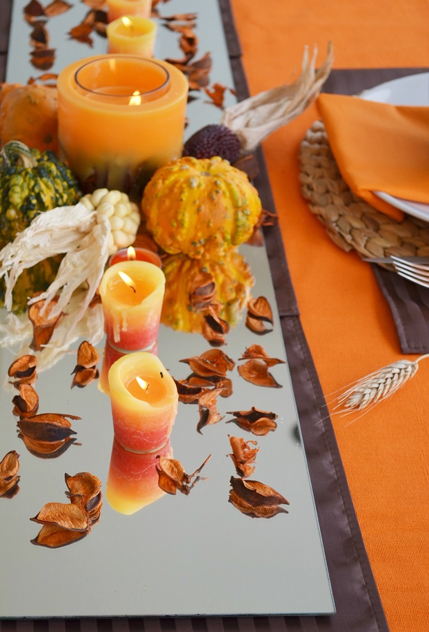 thanksgiving table decoration with mirror