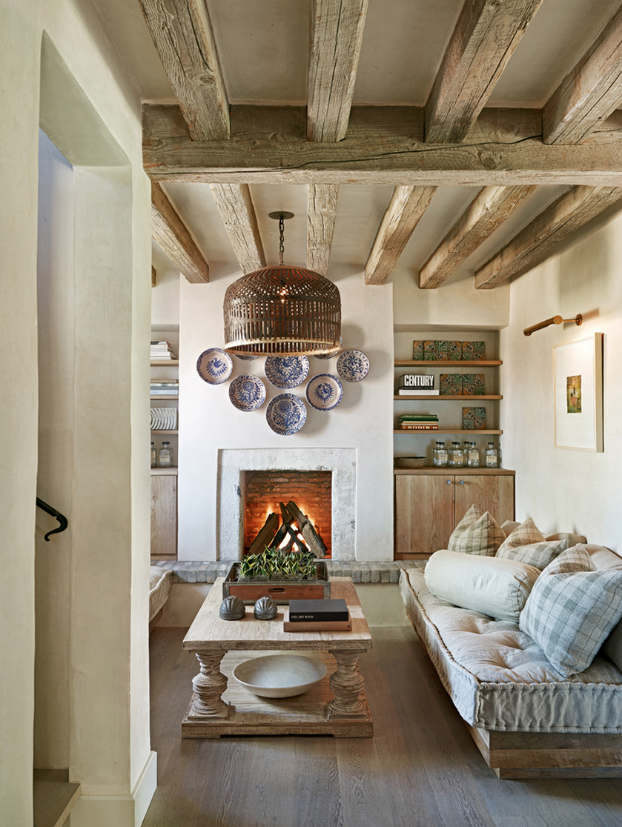 40 awesome rustic living room decorating ideas decoholic for Rustic mediterranean interior design