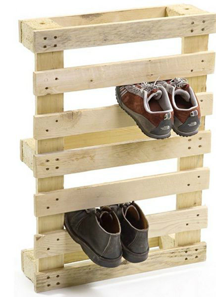 Wood pallets as shoe storage