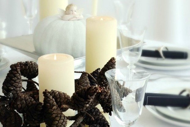 thanksgiving table decoration with pine cones branch2