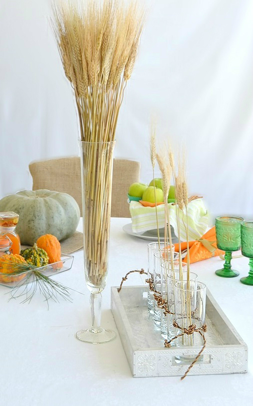 8 easy and beautiful thanksgiving table decorations for Easy thanksgiving table decorations