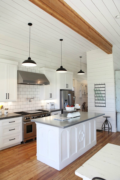 Modern Farmhouse Kitchen Cabinets 15 amazing white modern farmhouse kitchens - city farmhouse