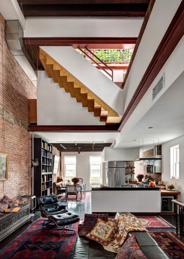 Unique New York House's Drastic Transformation
