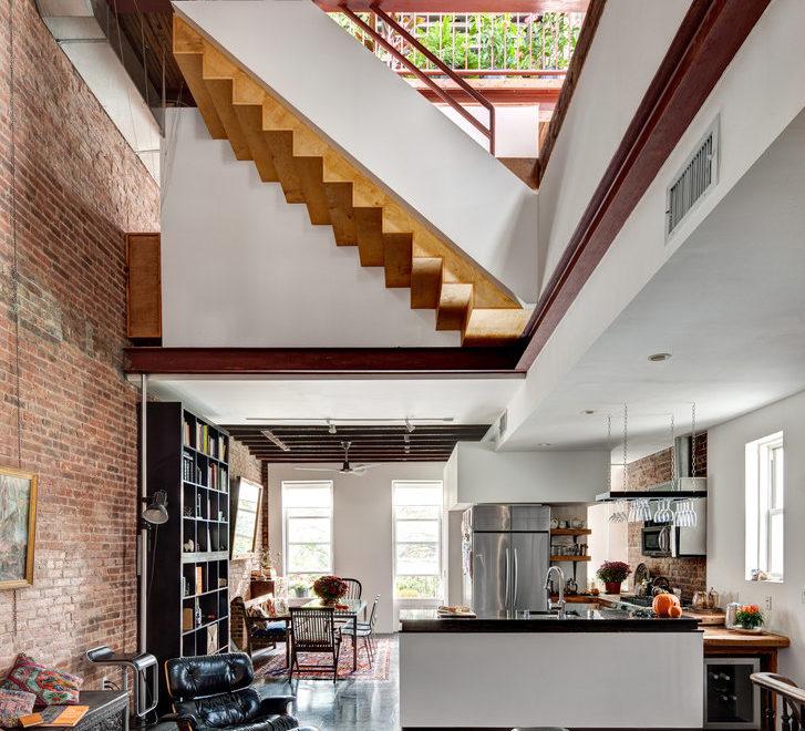 Unique New York House's Drastic Transformation