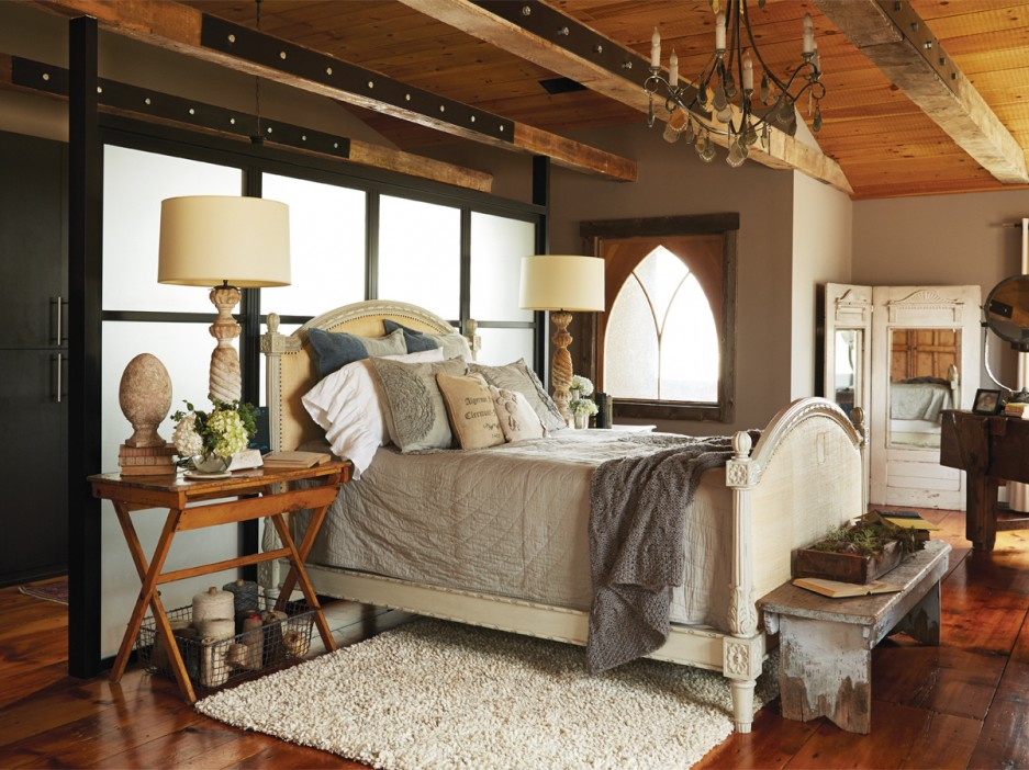 Rustic & Industrial Home With A Very Particular Design Aesthetic 4