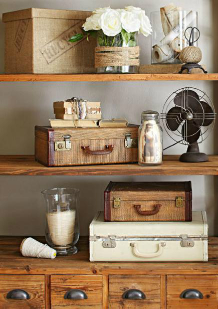 Shabby chic farmhouse decoholic for Antique home decorations