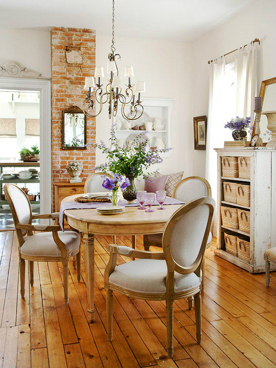32 dining room storage ideas decoholic for Dining room shelf decorating ideas