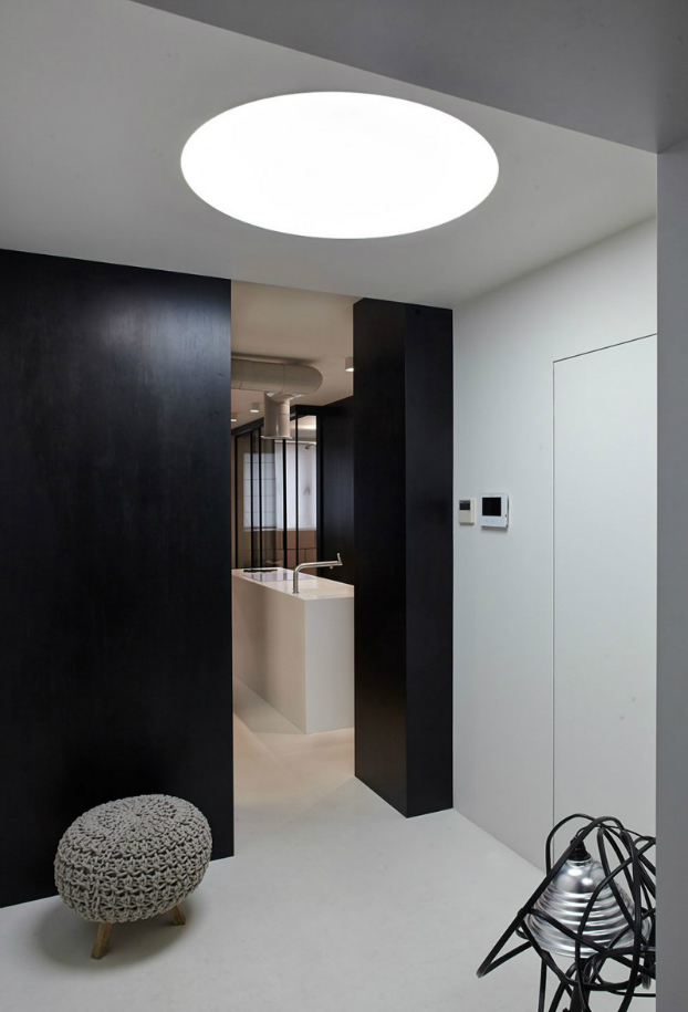 Functional Black And White Apartment 8
