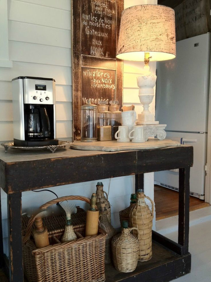 coffee bar idea with lamp