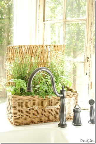 kitchen decorating ideas with herbs 41