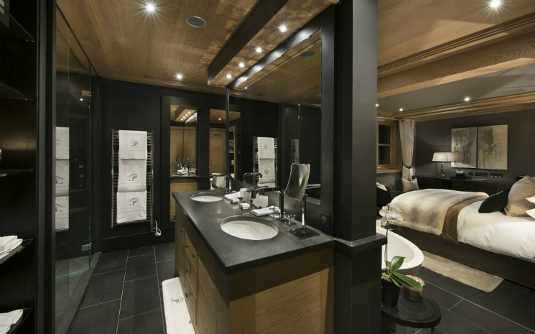Le Petit Palais The Ultimate Luxury Ski Chalet 9