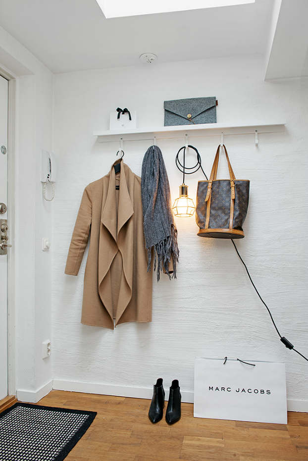 Scandinavian cute studio interior with relaxed %ce%9cood 15