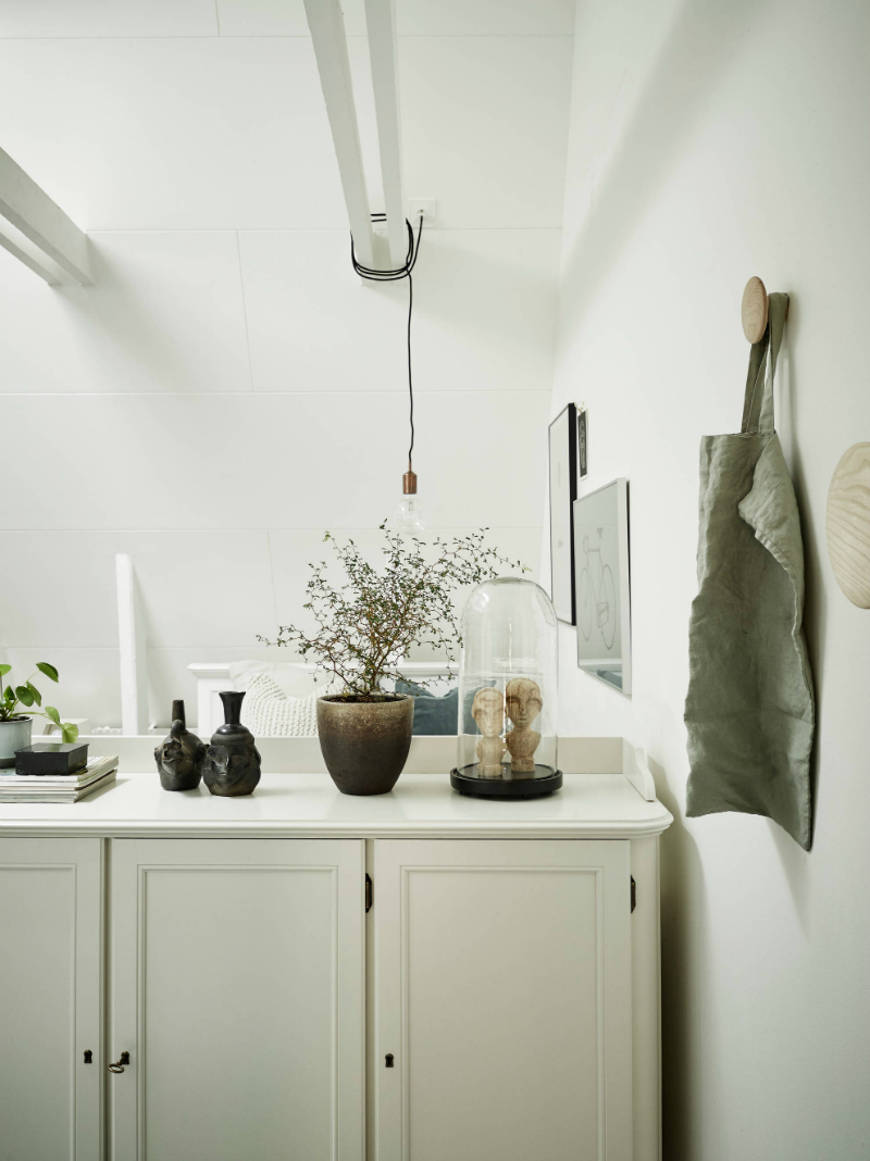 Scandinavian sophisticated small apartment interior 11