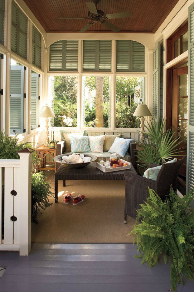 33 sun room decorating ideas decoholic for Enclosed back porch ideas