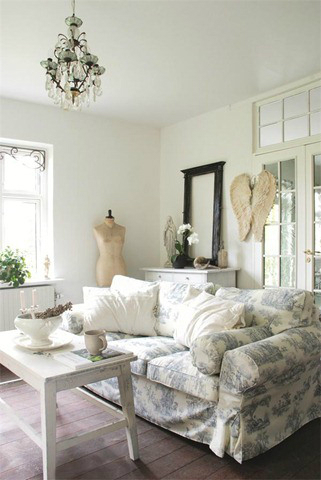 White Living Room Ideas 19