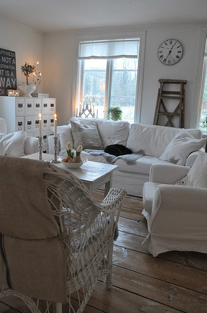 White Living Room Ideas 20