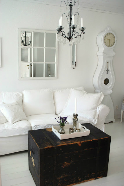 White Living Room Ideas 22