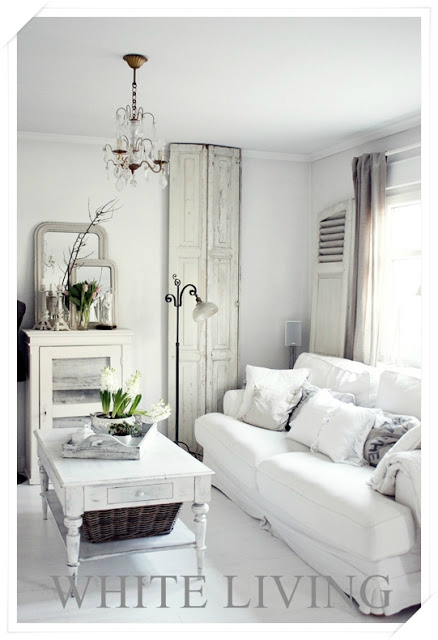 White Living Room Ideas 23