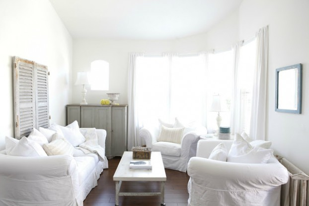 White Living Room Ideas 24