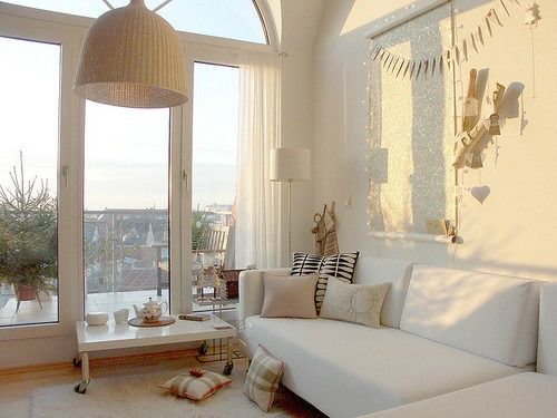 White Living Room Ideas 35