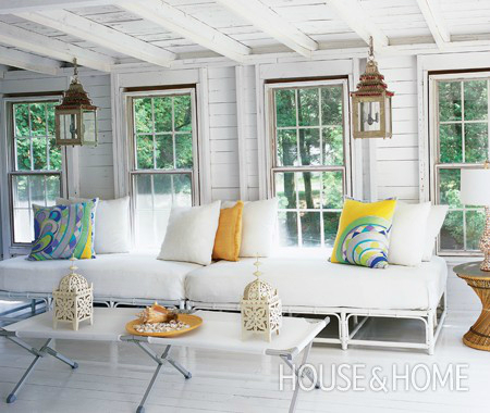 White Living Room Ideas 37