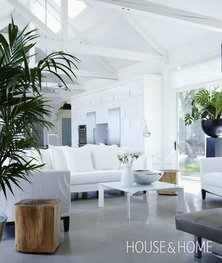 White Living Room Ideas 38