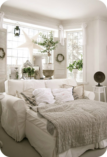 White Living Room Ideas 50