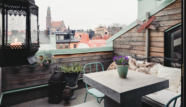 Modest Elegant Scandinavian Loft interior 12