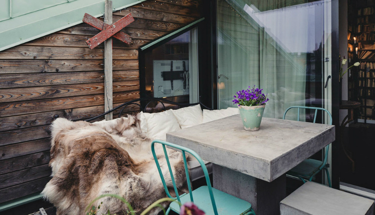 Modest Elegant Scandinavian Loft interior 13