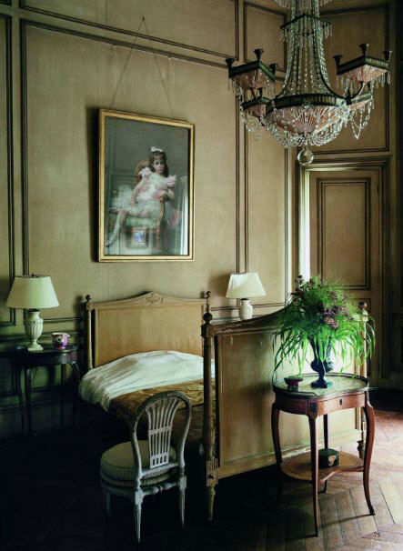 french Chateau Chic Bedroom Ideas 4