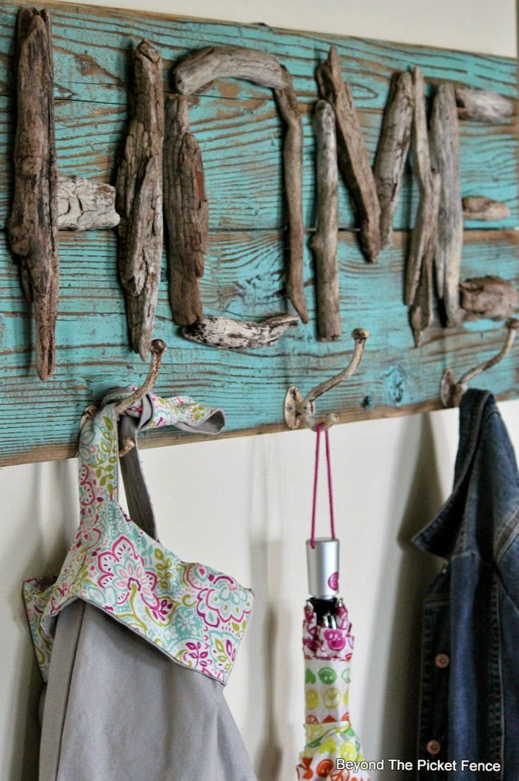 18 Driftwood Decor Ideas