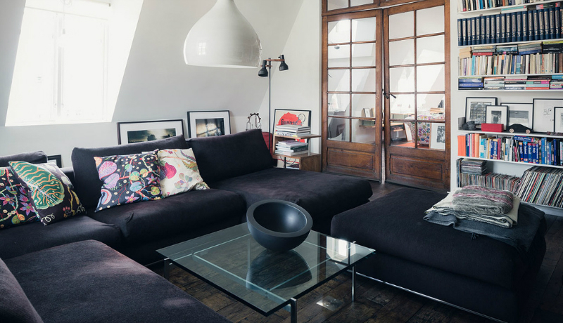 A Traditional Space With A Modernistic Touch 9