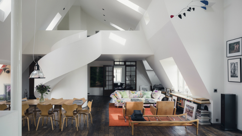 A Traditional Space With A Modernistic Touch