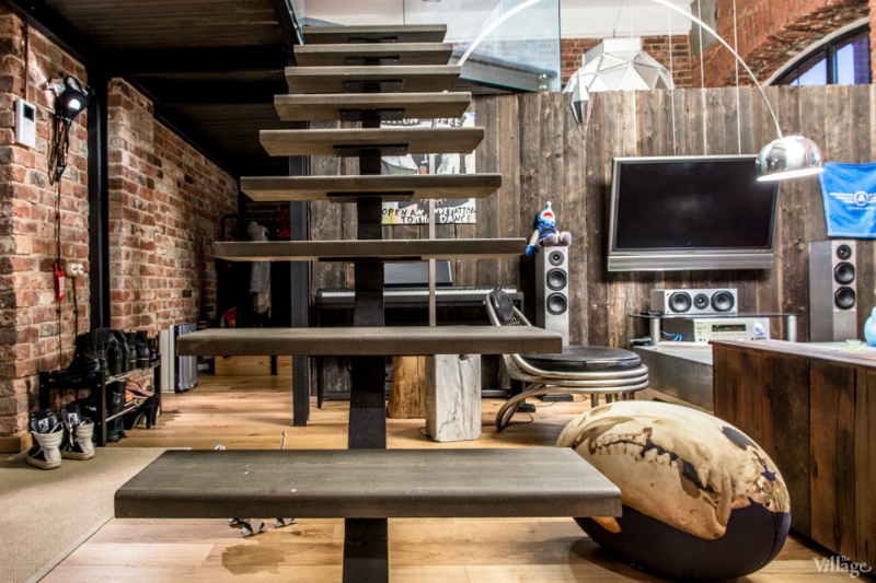 loft interiors with brick walls and wood 14