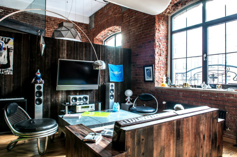 loft interiors with brick walls and wood 2