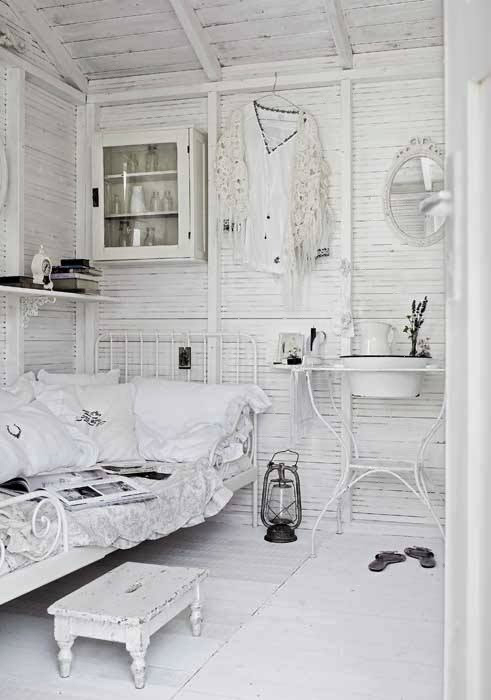 Shabby Chic Interior With Incredible Attention To Details 12