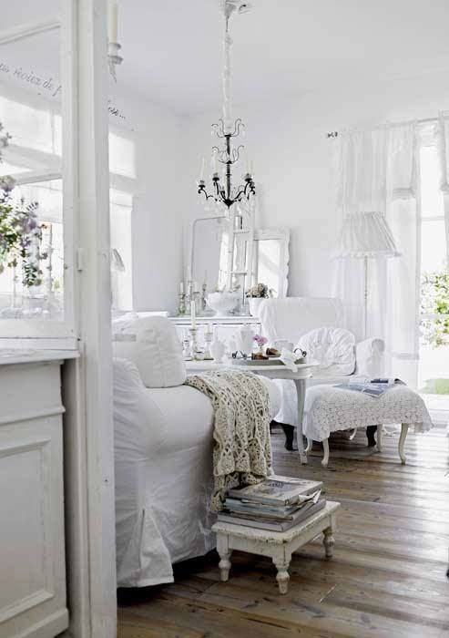 shabby chic interior with incredible attention to details decoholic. Black Bedroom Furniture Sets. Home Design Ideas