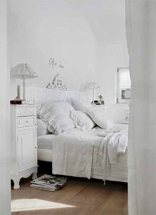 Shabby Chic Interior With Incredible Attention To Details 9