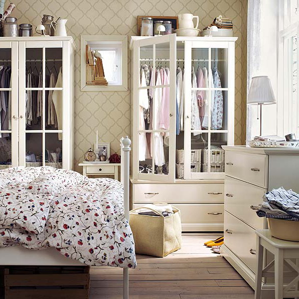 12 bedroom storage ideas to optimize your space decoholic for Bedroom storage ideas