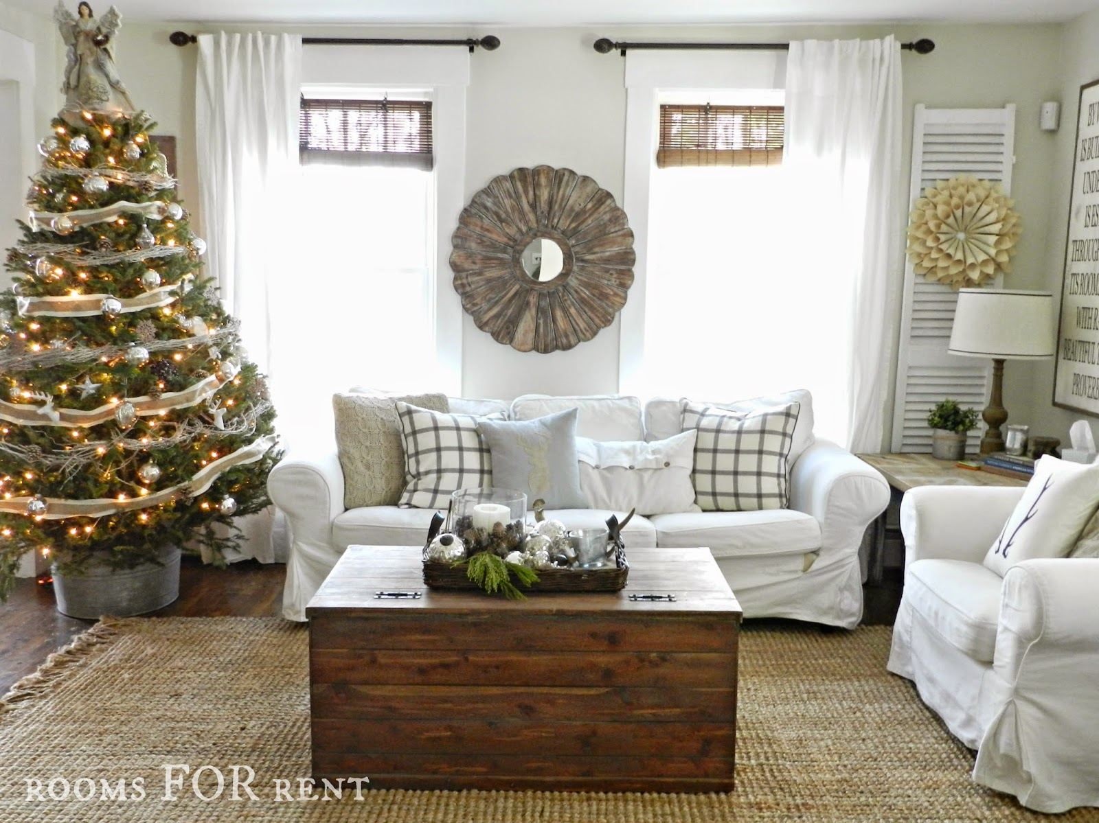 Stunning Christmas Country Home Tour 11