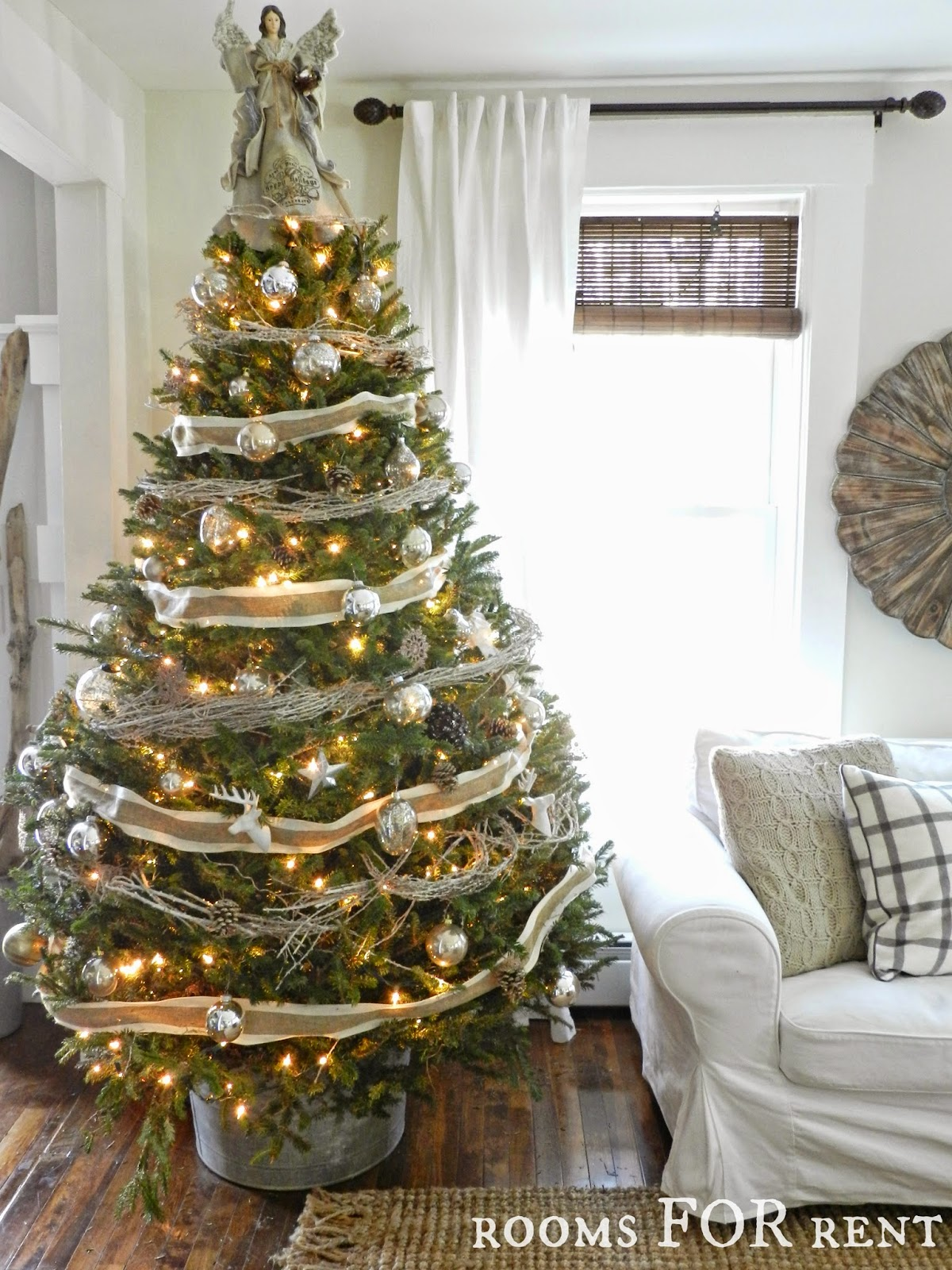 Stunning Christmas Country Home Tour 17