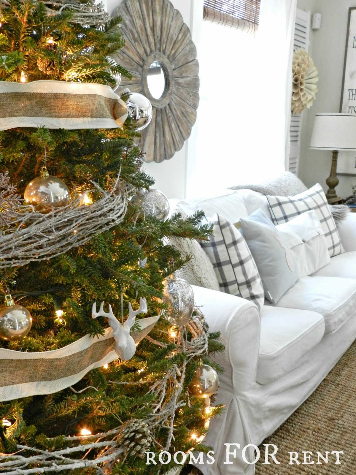 Stunning Christmas Country Home Tour 18