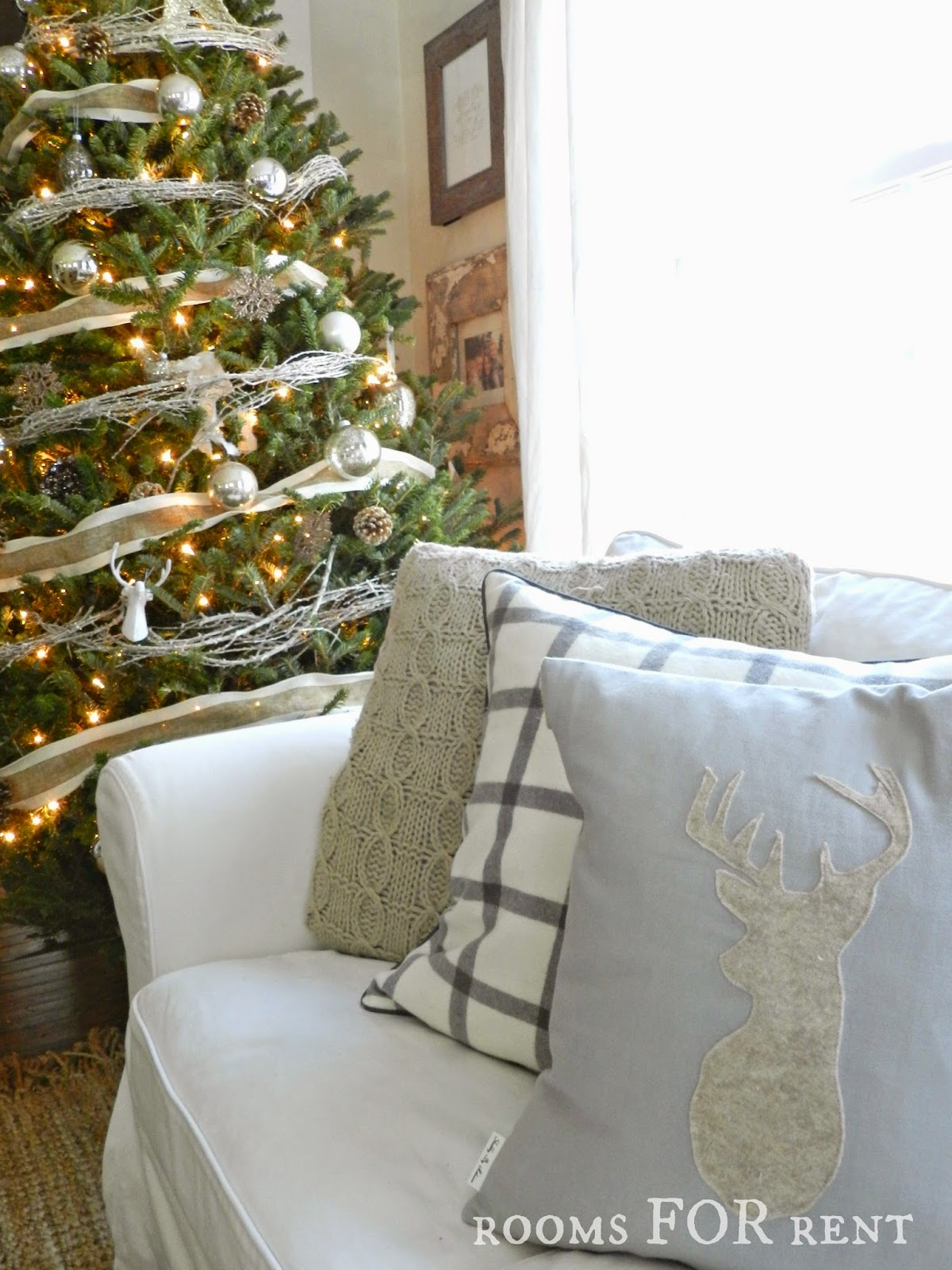 Stunning Christmas Country Home Tour 19