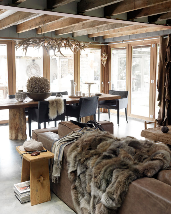 Safarichick soul and character in this room cozinhas for Winter cabin bedding