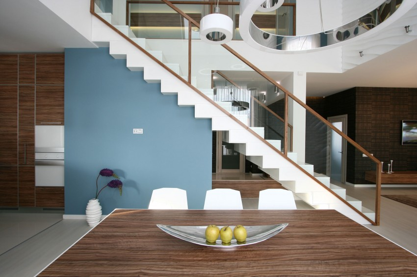 Simple Yet Sleek And Chic House interiors 3