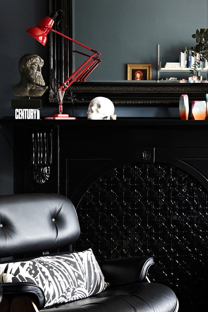 Sophisticated Apartment In A Dark Color Palette 2