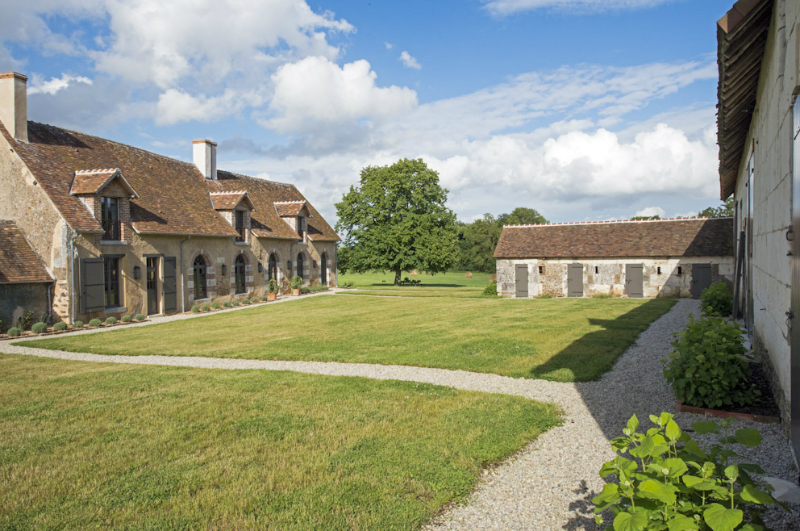 Amazing Country House In Touraine 34